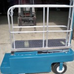 greenhouse-scissor-lift-picking-cart